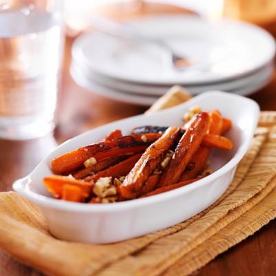 maple glazed carrots with walnuts